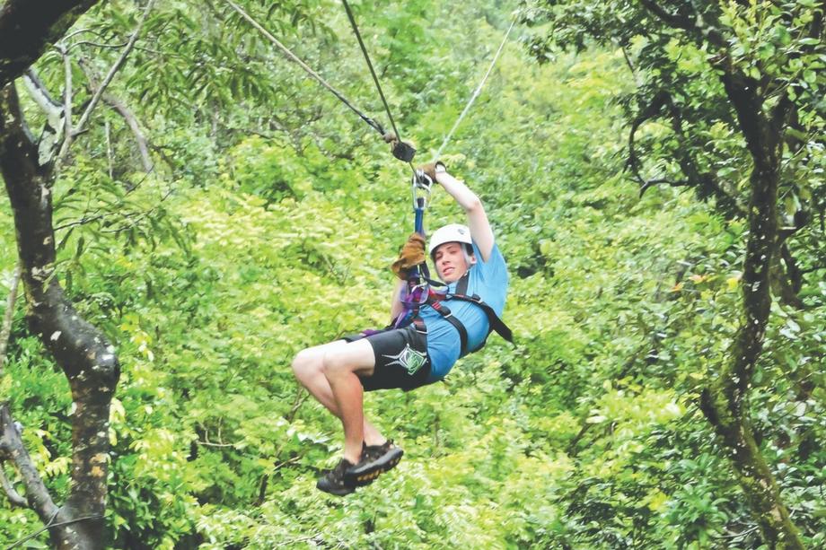 Costa-Rica-Camper-Ziplining