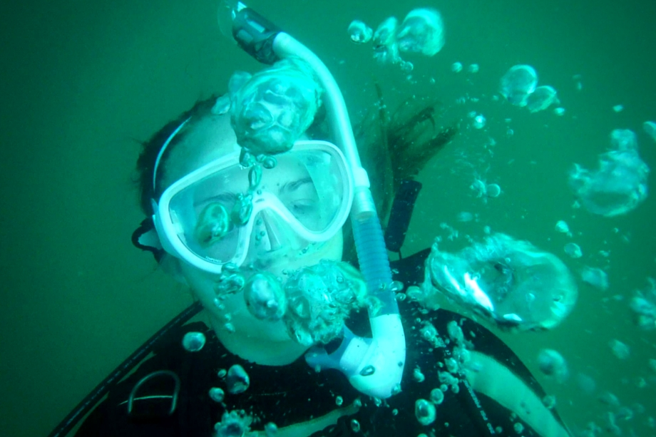 scuba-diving-bubbles